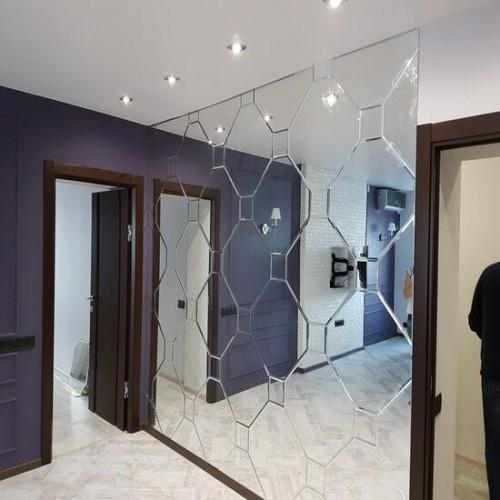 Зеркальное панно в прихожую из зеркальной плитки ромб и квадрат